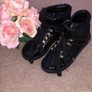 MICHAEL KORS: Black boots